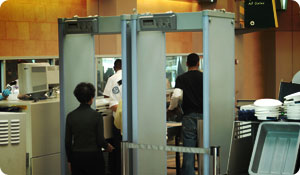 Airport Scanners: Cancer Concerns?